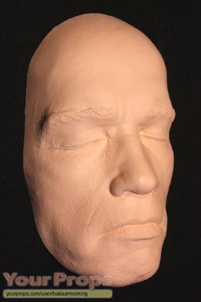 arnold schwarzenegger terminator. hot but Arnold Schwarzenegger